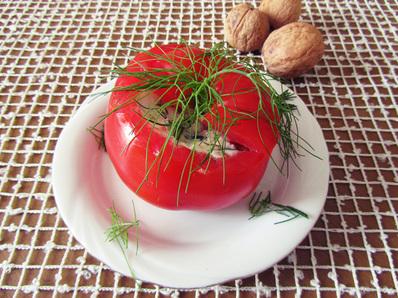 Пълнени домати с крема сирене и орехи
