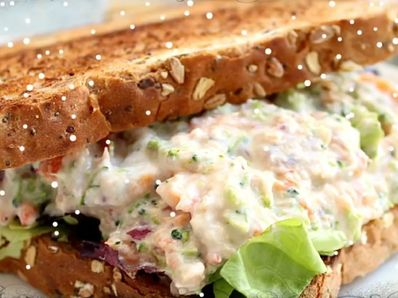 Сандвич с пилешка салата