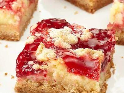 Лесен чийзкейк с ягодово сладко