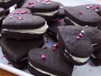 Шоколадови бисквити с маслен пълнеж