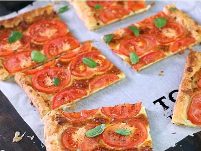 Лесен доматен тарт с босилек