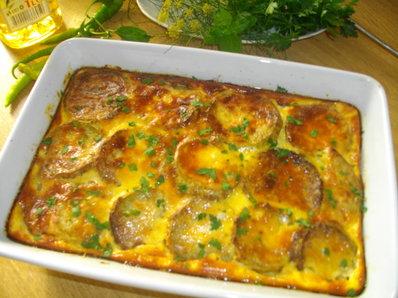 Тиквички с яйца и сирене на фурна