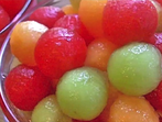 Пияни плодови топчета