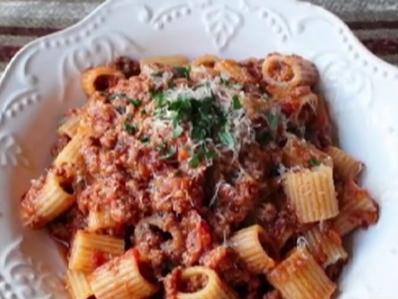 Сос с телешко за спагети