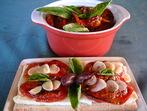 Брускети с печени домати