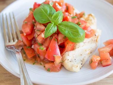 Пилешко с пресни домати