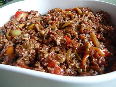 Червен ориз със зеленчуци