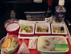 Защо храната в самолетите има друг вкус?