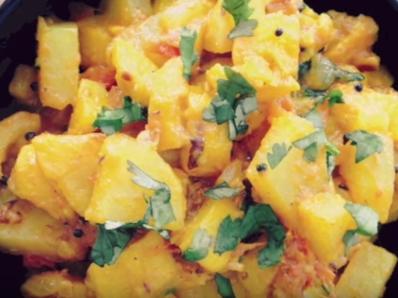 Тиквички и картофи с гарам масала