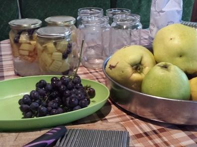 Компот от дюли и грозде
