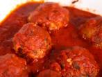 Кюфтета на фурна с доматен сос