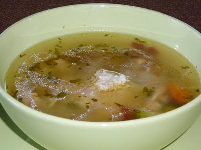 Богата пилешка супа