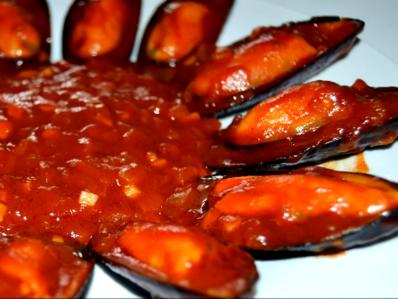 Миди с доматен сос