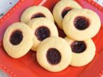 Маслени сладки с малинов пълнеж