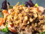 Ориенталска салата с пилешко