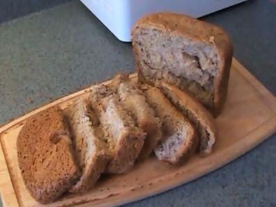 Хляб с кисело зеле в машина