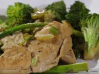 Пилешко със зелени зеленчуци