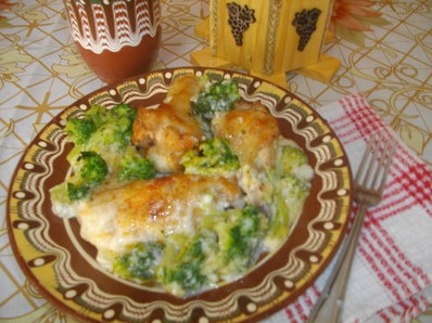 Пилешко с броколи и сос бешамел