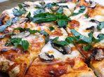 Пица с най-лесното тесто
