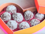 Шоколадово-кокосови-лешникови бонбони
