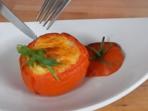 Топли пълнени домати