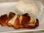 Пилешки гърди в бекон