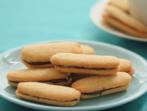 Слепени бисквити с ментово-шоколадов пълнеж