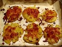 Запечени картофки с млечен сос