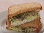 Различен сандвич с риба тон