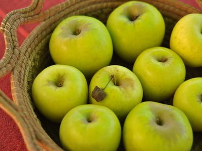 Грис с ябълки