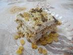 Бисквитена торта с ром и стафиди