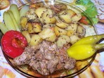 Задушено свинско с картофи (Рафаела)