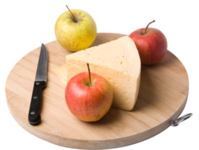 Салата от ябълки и кашкавал