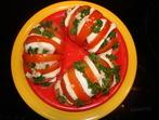 Пълнени домати с прясно сирене