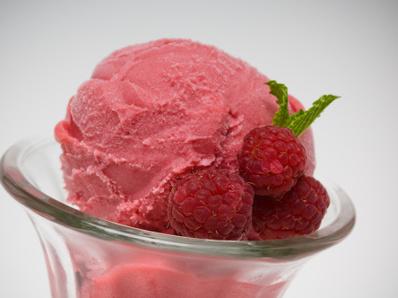 Малинов сладолед