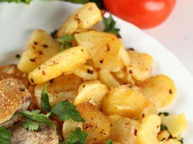 Картофи с магданоз