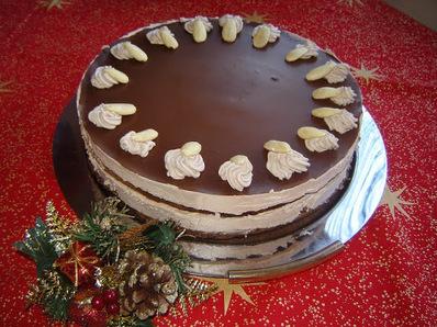 Празнична шоколадова торта