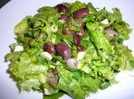 Зелена салата с рукола и боб