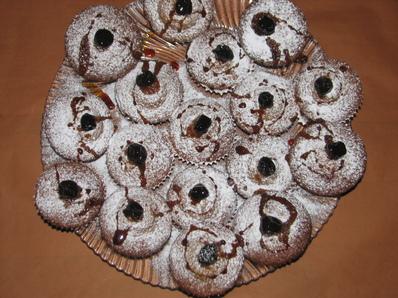 Канелени кексчета със сладко от вишни