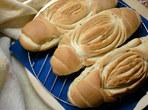 Вкусен хляб с два вида брашно