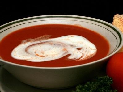 Доматена крем супа с макарони