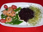 Скариди с черен ориз