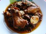 Яхния с пилешки крилца