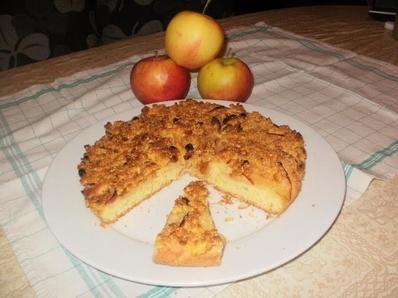 Ябълков сладкиш с хрупкава коричка
