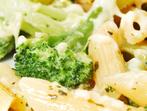 Макарони с броколи и синьо сирене