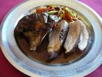 Свинско печено с боровинков сос